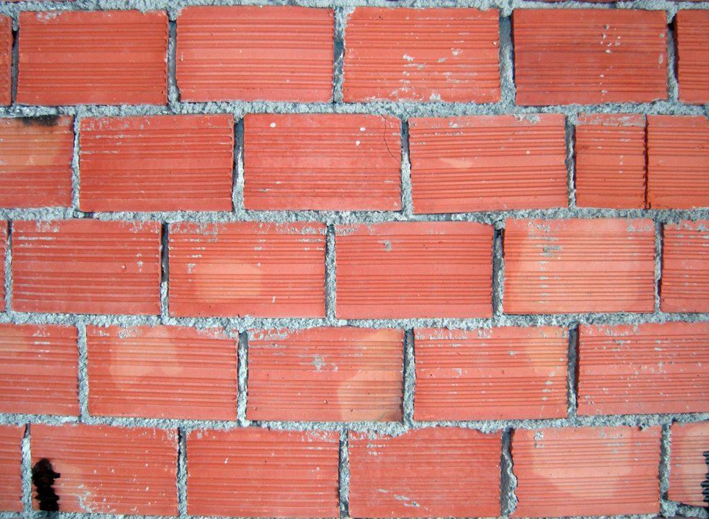 Budowanie domu – plusy i minusy